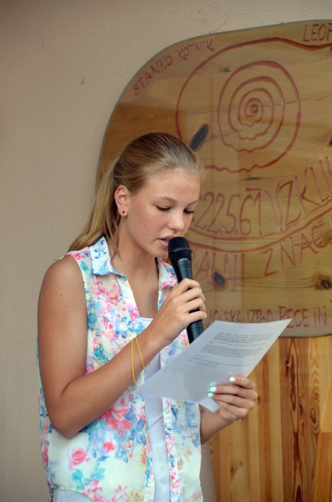 Učenka napovedovalka_prvi šolski dan